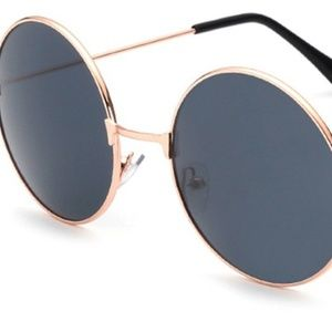Accessories - Retro Round Sunglasses